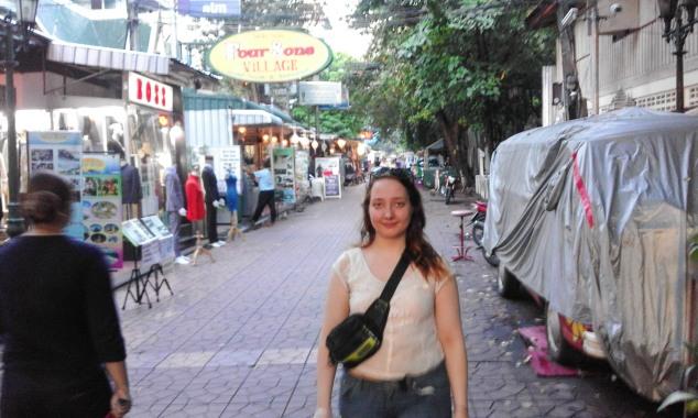 Hanna walking down Soi Rambuttri, Banglampoo, Bankkok, Thailand